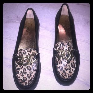 Anne Klein AKLILA leopard loafer hard leather 7.5